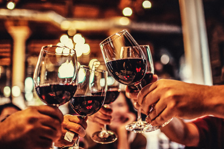 10 Top Health Benefits to Drinking Red Wine